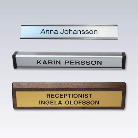 Bords- och receptionsskyltar