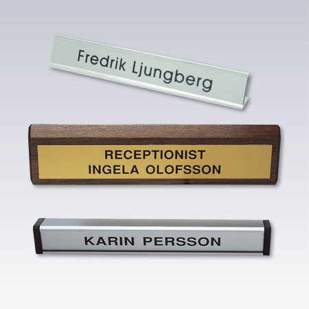 Bords och receptionsskyltar
